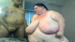 Une super grosse femme blanche se fait baiser par son amant noir - Vidéo porno hd - #02