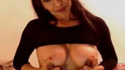 Cette latine montre son corps de femme mature - Vidéo porno - #02