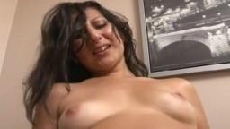 Sexe avec des beurettes de la cité qui se font payer pour baiser - Vidéo porno