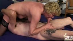 Un couple de matures amateur allemand en action - Vidéo porno hd - #02