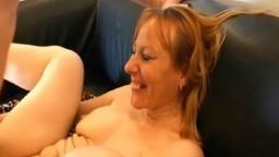 La femme mûre française Loona Carole se fait sodomiser durement par un jeune - Vidéo porno hd