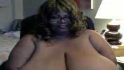 La black mature Norma Stitz nous excite à la webcam avec ses nichons énormes - Vidéo porno - #02