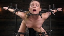 L'américaine Dahlia Sky subit un Bdsm extrême - Vidéo porno hd