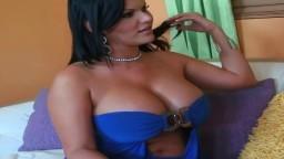 La milf cubaine Angelina Castro aime le sexe torride - Vidéo porno hd