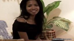 Liza la petite philippine sexy baisée par un inconnu - Vidéo porno hd