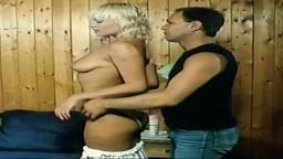 Porno vintage - L'été les petites culottes s'envolent (1984) - Vidéo hd