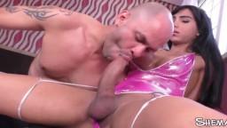 Un étalon baisé par la belle shemale brésilienne Yasmin Dornelles - Vidéo porno hd - #09