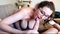 Ma femme à gros seins me fait toujours éjaculer trop vite - Vidéo porno hd - #06