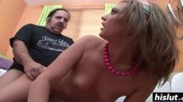 Le vieux Ron Jeremy se baise la petite Cheyenne Cooper - Vidéo porno hd - #09