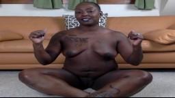 Découvrez la femme mature black nommée Goddess - Vidéo porno hd