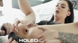 La brune canadienne Marley Brinx teste quelques sextoy dans le cul avant une sodomie - Vidéo porno hd