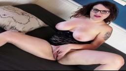 Cette jeune allemande rondelette se fait baiser et prend une éjaculation faciale - Vidéo porno hd - #10
