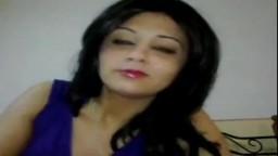 Une chaude arabe égyptienne fait une vidéo cochonne pour son copain - Vidéo porno