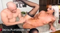 Sami St Clair en soubrette cochonne baisée par son employeur - Vidéo porno hd - #07