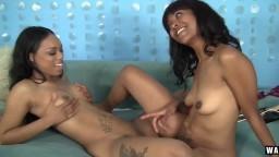 Les deux lesbiennes black Lotus Lain et Sandi Jackmon se baisent l'une l'autre - Vidéo porno hd