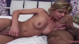 La shemale brésilienne Sheyenne Lima et un mec se perforent le cul chacun leur tour - Vidéo porno hd - #10