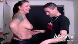 Femme mature allemande amatrice baisée par son compagnon à la maison - Vidéo porno hd - #09