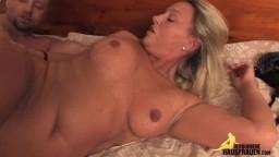 Rencontre sexuelle avec une milf amatrice allemande - Vidéo porno hd