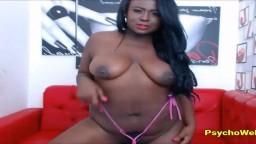 Cette black se masturbe les deux trous à la webcam - Vidéo porno hd - #09