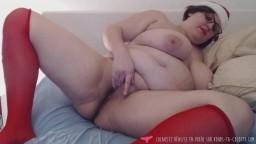 Une grosse mère Noël française en masturbation à la webcam - Vidéo porno hd