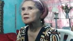 Une grand-mère des Philippines se met nue pour une masturbation avec un gode - Vidéo porno hd