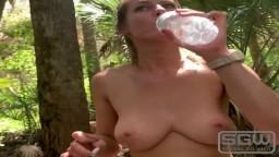 Une baise au bord de la rivière Myakka en Floride - Vidéo porno hd