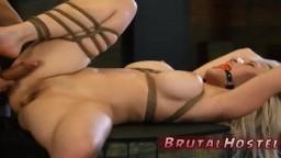 Le bondage de la blonde latine à gros seins Cristi Ann - Vidéo porno hd