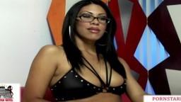 La magnifique latine Cassandra Cruz se prend une grosse éjaculation dans l'oeil - Vidéo porno hd