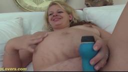 La britannique enceinte April Paisley profite d'une bite noire - Vidéo porno hd
