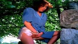 Porno vintage français - La prof enseigne sans préservatifs (1982) - Film complet - Vidéo hd
