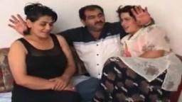 Des scènes avec des femmes turques cochonnes - Vidéo porno