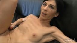 Une milf française maigre se fait marteler le cul pendant son casting anal - Vidéo porno hd