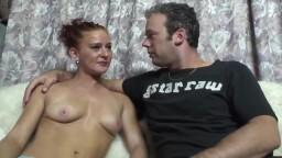 L'amatrice hollandaise Vicky tente une expérience dans le porno - Vidéo porno hd