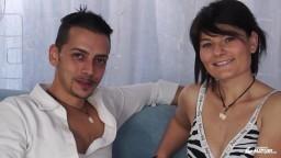 Un couple amateur italien tente une expérience sexuelle dans le porno