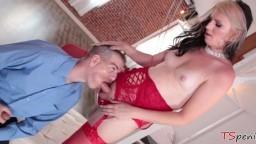 La shemale Chloe Wilcox baise le mec Chad Diamond - Vidéo porno hd