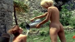 Les actrices françaises Mireille Darc et Anouk Ferjac dans Fleur d'oseille (1967)