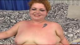 La jeune et grosse Velma Voodoo est utilisée par un mec pour du sexe