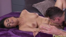 L'arabe d'origine afghane Yasmeena Ali baisée avec passion - Vidéo porno hd