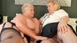 Un duo avec deux grosses lesbiennes matures britanniques