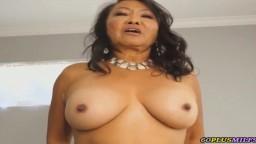 Sexe matinal avec une grand-mère asiatique