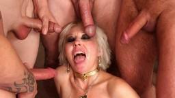 La mature américaine Dalny Marga en gangbang