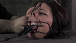 Bouche bâillonnée dans une séance de soumission