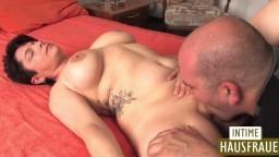 Une femme mature allemande baisée par un gros
