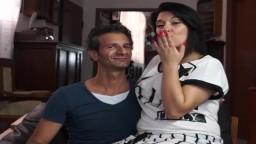 Un couple italien fait des folies devant la caméra